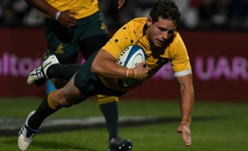 Foley crashes over for Australia's third try